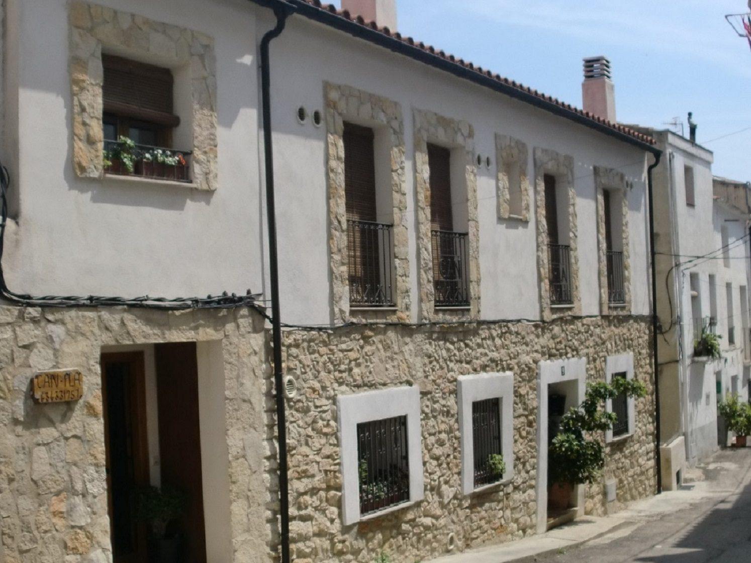 alojamiento casa rural fachada